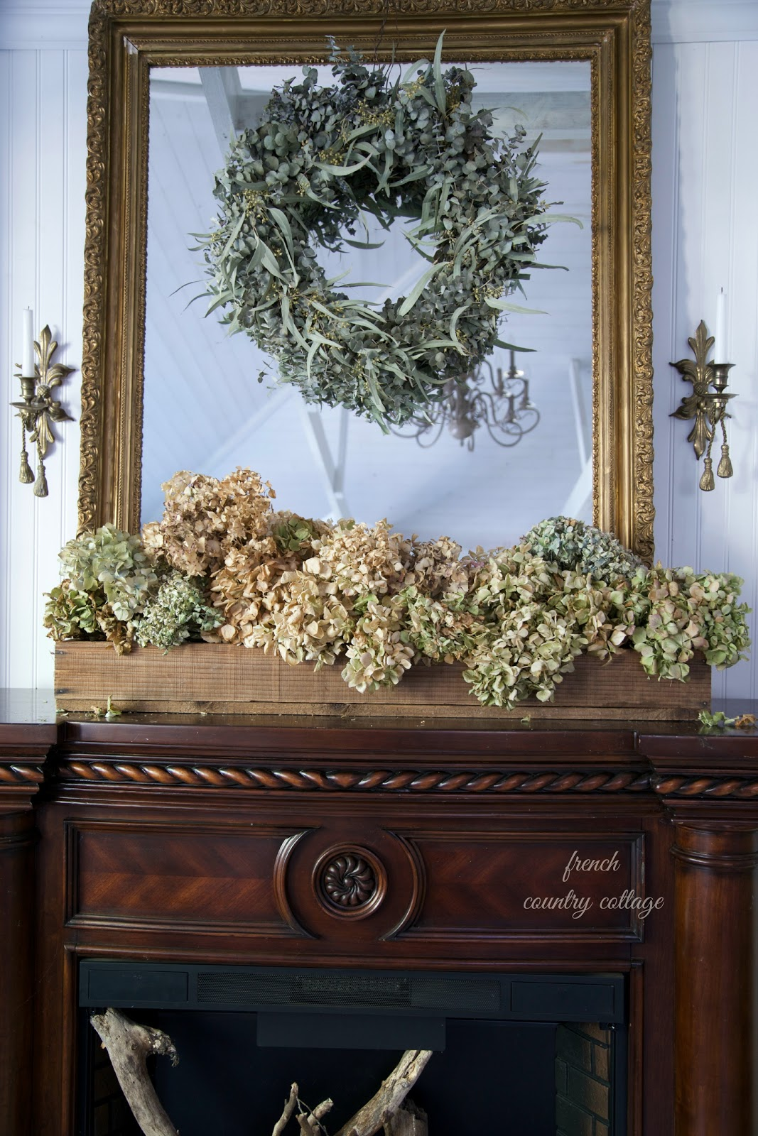Five minute decorating rustic box of hydrangeas french for Rustic french country
