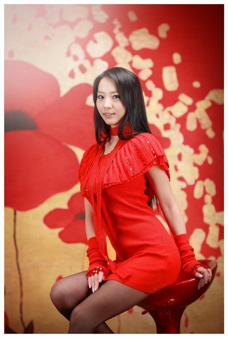 Son Dambi in Allure Korea February 2013 | Korean fashion