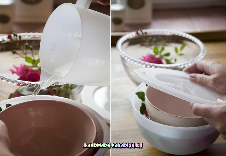 Ледяная ваза с цветами для зимнего праздничного стола