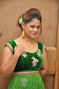 Shilpa Chakravarthy Glam pics-thumbnail-8