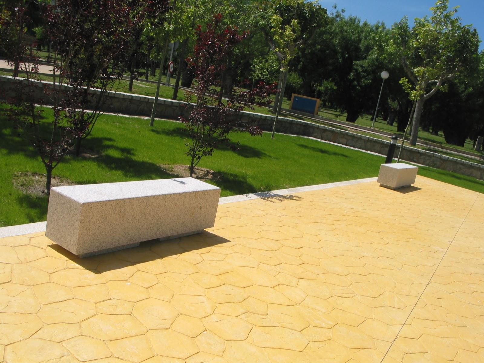 El blog de piedranova producci n y comercializaci n de for Bancos de granito para jardin