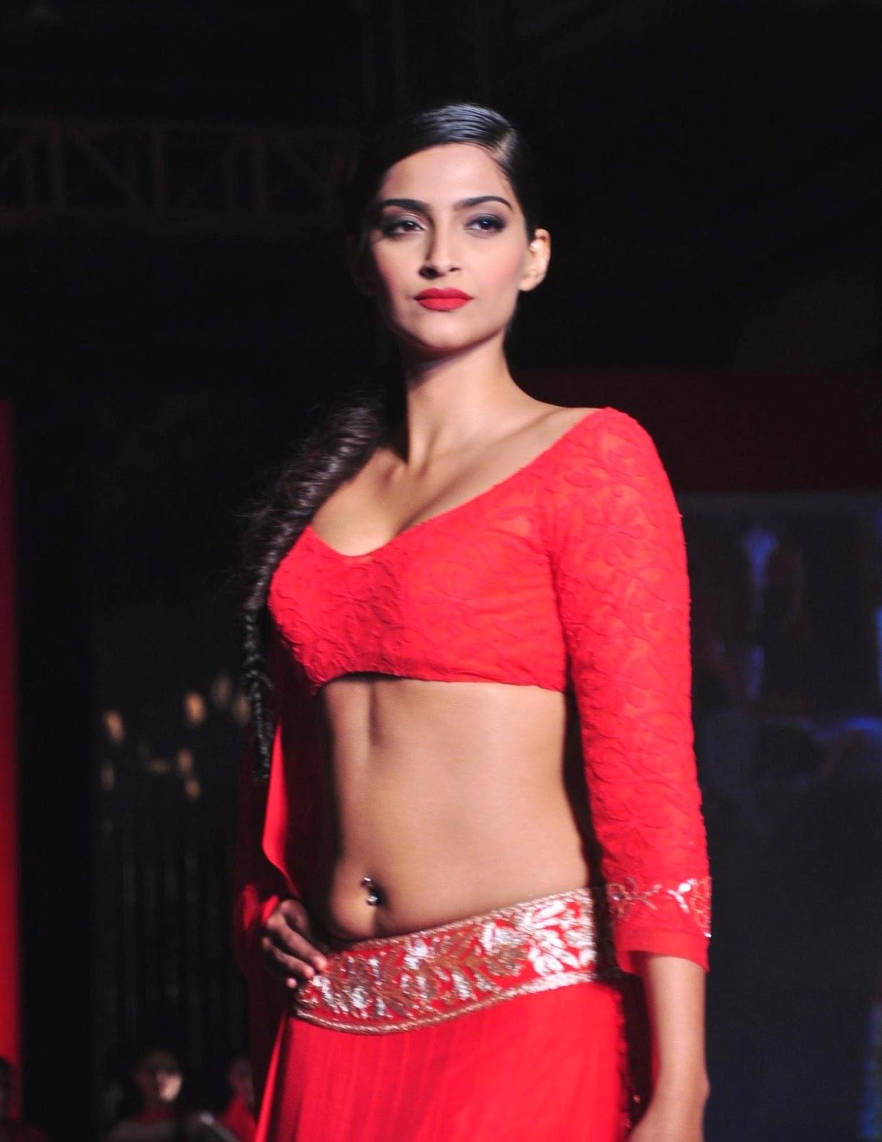 Sonam Kapoor Wallpapers: Sonam Kapoor Spicy HD Photos