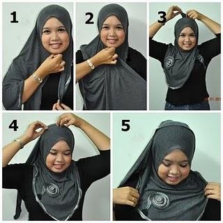 cara-cara memakai Safiyya Rose Morocco Shawl