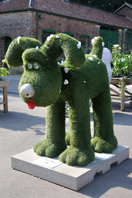 Oops a Daisy Gromit (side view)