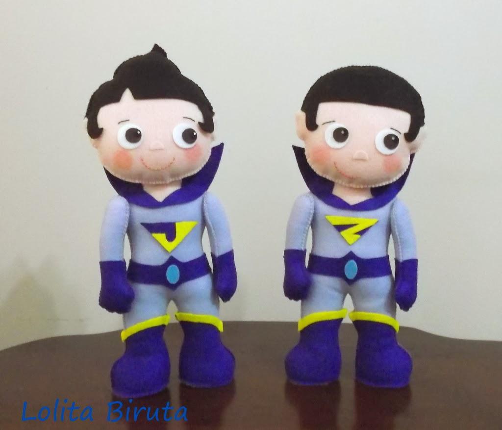 Bonecos Super gêmeos em feltro para decoração de festa infantil