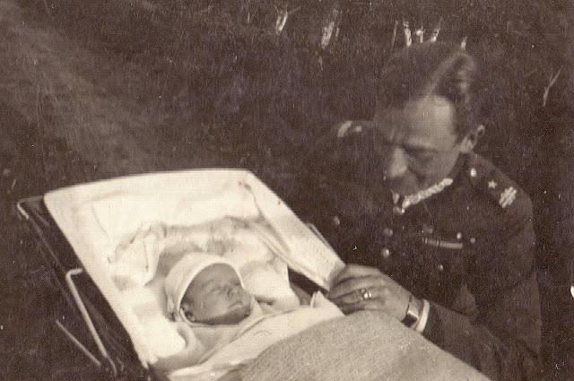Major H. Dobrzański z córką Krystyną. Zbiory K. Dobrzańskiej Sobierajskiej i H. Sobierajskiego.