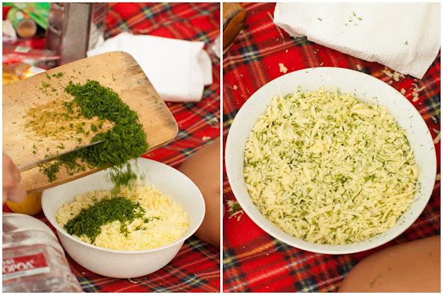 Мешаем сыр с укропом
