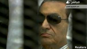 8 مقاطع لتغطية جزء من محاكمة حسني مبارك وردة الفعل بعد النطق بالحكم 2-6-2012