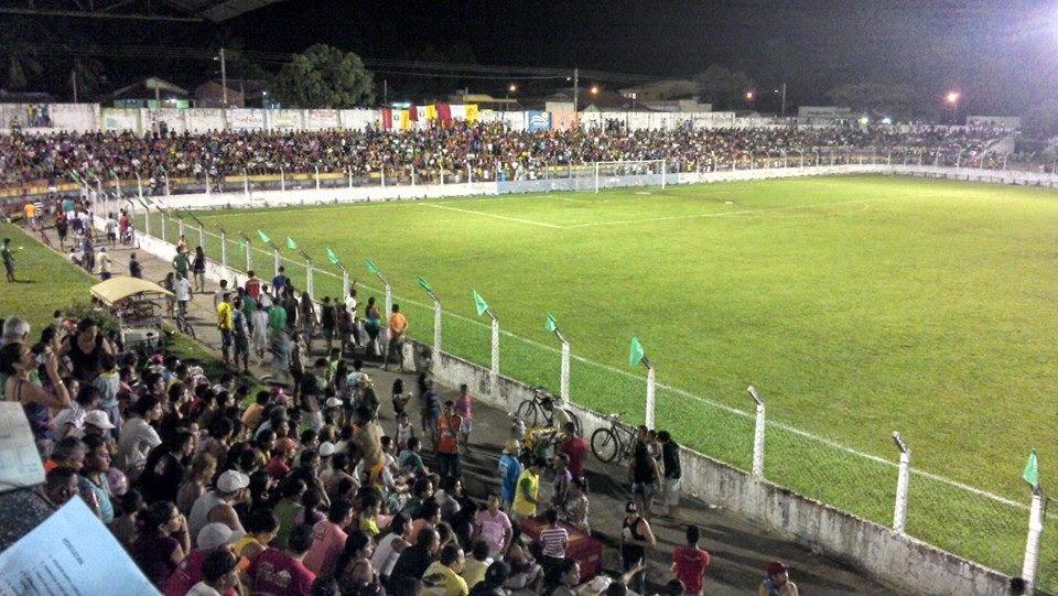 Resultado de imagem para estádio bauxitão