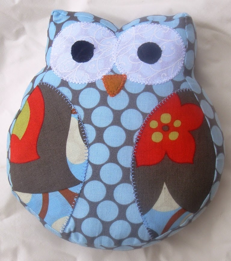 Quilt inspiration free pattern day owls for Owl templates for sewing