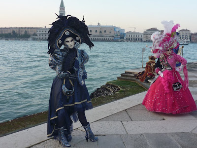 italy-Venice-Carnival-of-Venice-masks-disguise
