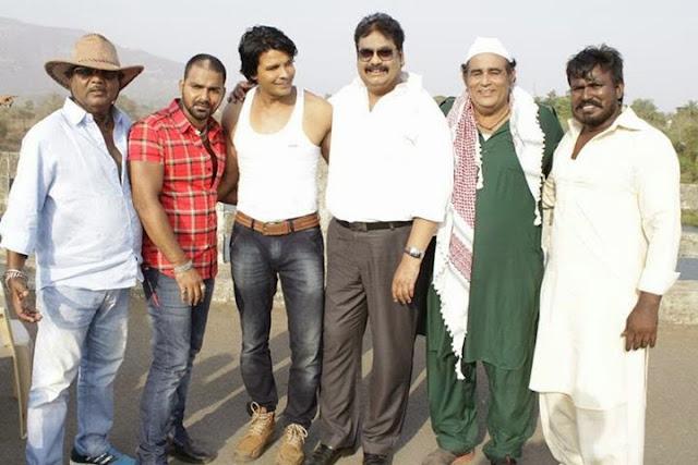 Sujit Tiwari Brijesh Thripath, Pawan Singh and Viraj Bhatt Sangram Shooting Photos