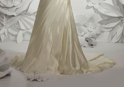 Plus Size Wedding Dresses With Sleeves UK Amiane wedding gown Bien Savvy