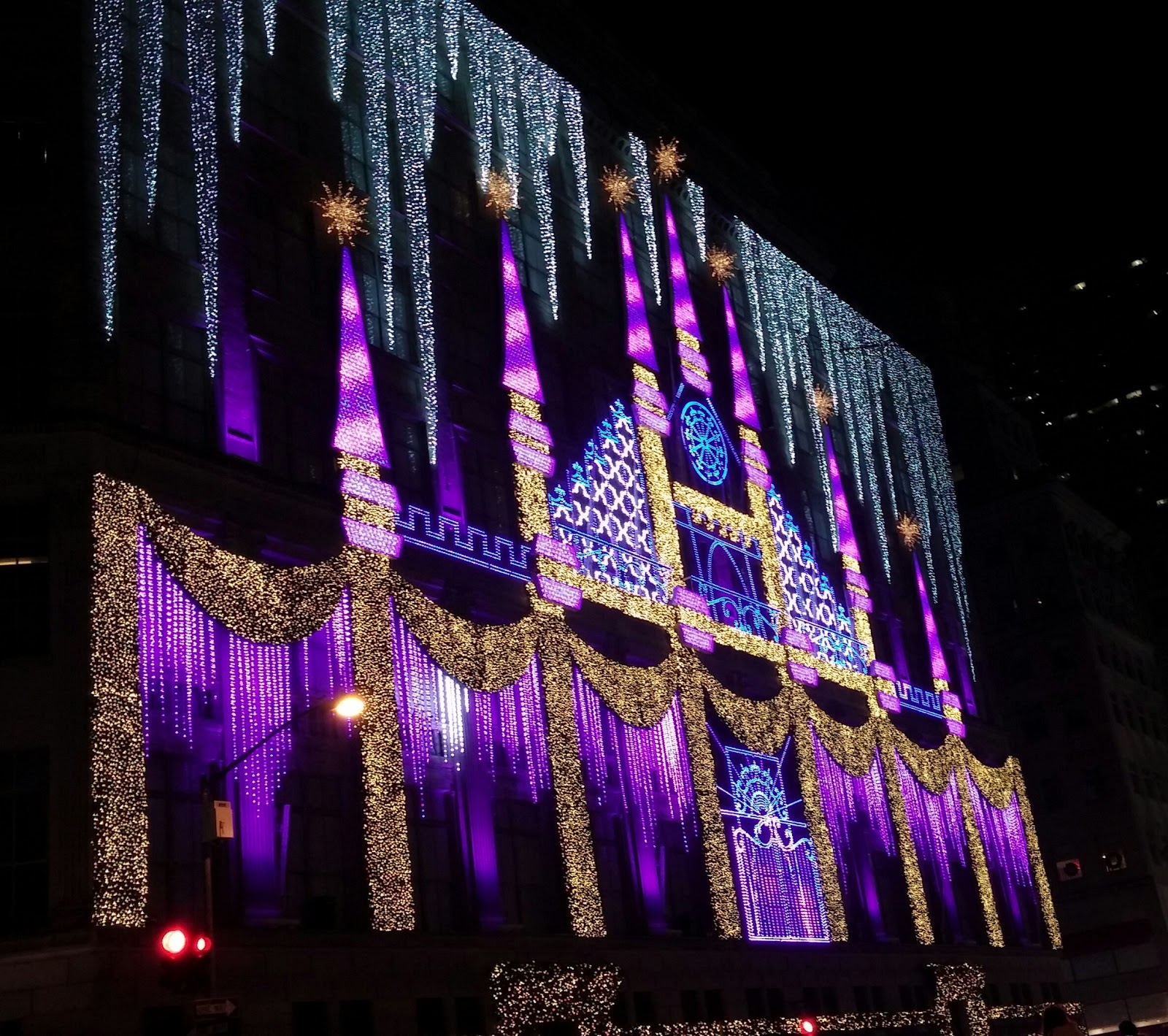 Beautiful Sound And Light Show At Saks Fifth Avenue, First Stop On Our  Radio City Night.