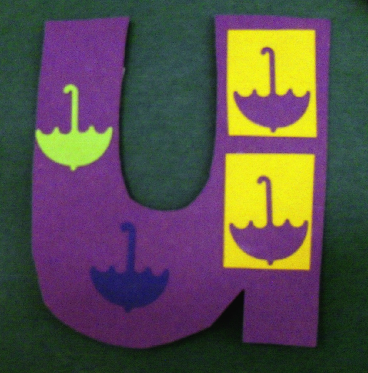 Objects Start with Letter U http://ofprimaryimportance.blogspot.com/2011/07/chicka-chicka-boom-boom-exchange.html