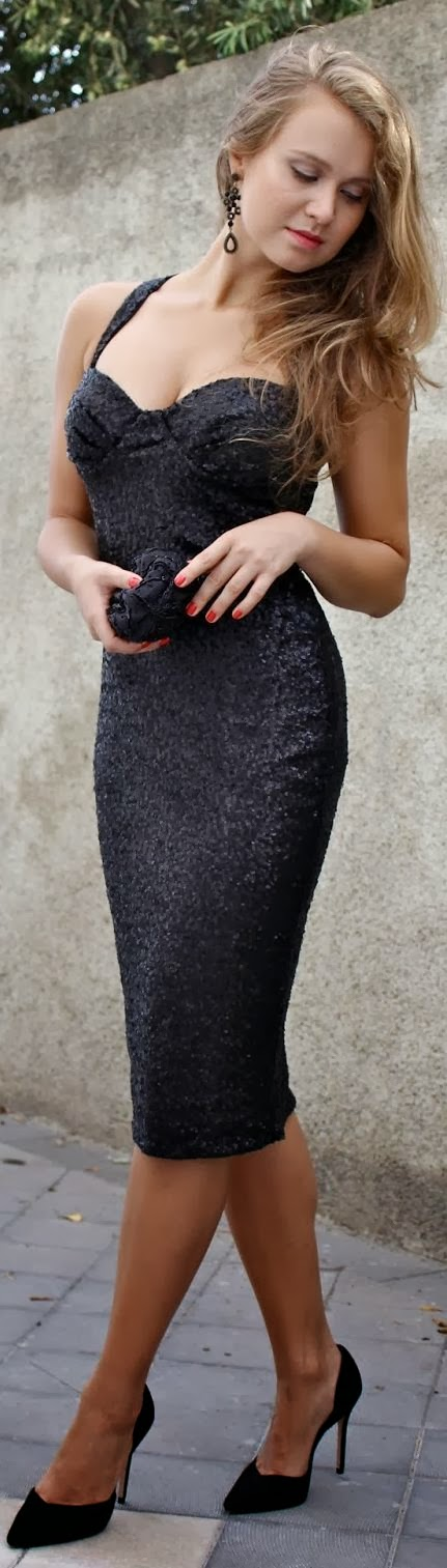 Gorgeous details on this little black dress