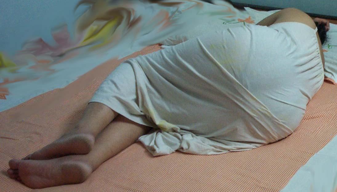 Desi Aunty In Bedroom