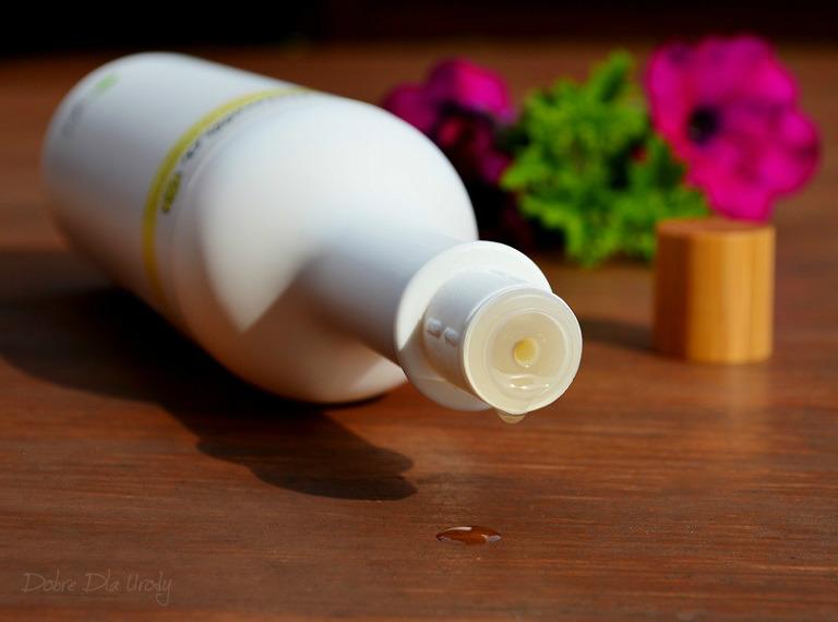 Camellia Oil-Control Shampoo Light and Burden-Free Szampon do włosów przetłuszczających się