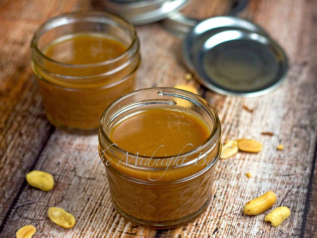 Peanut Butter Caramel Sauce | bakeatmidnite.com | #peanutbutter # ...