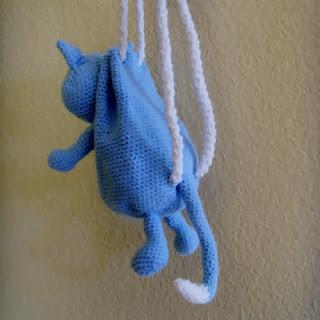 Crochet kitty cat backpack - back shot