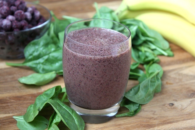 Orange Blueberry Banana Spinach Smoothie recipe by Barefeet In The Kitchen