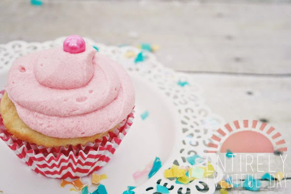 Yummy bubblegum cupcakes. Love this recipe. www.entirelyeventfulday.com #cupcakes #bubblegum