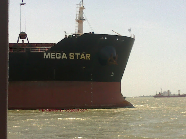 Ship on the way to Mandwa to Gateway of India