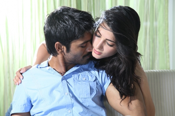 3-tamil-movie-review-hot-stills-gallery-9.png