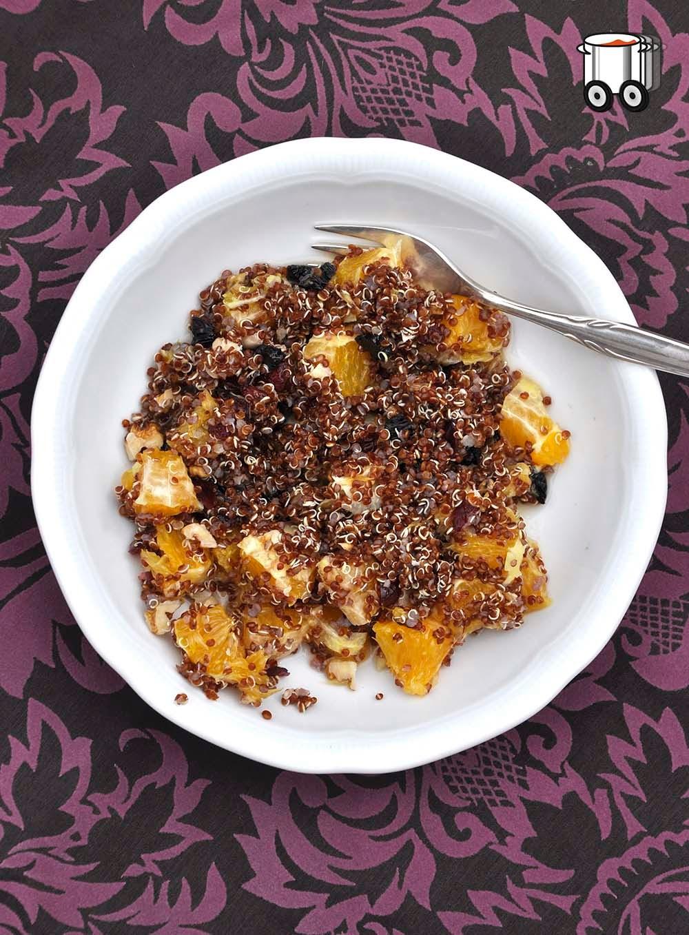 Szybko Tanio Smacznie - Czerwona Quinoa. Pomarańcze, imbir, orzechy, suszone owoce i miód.