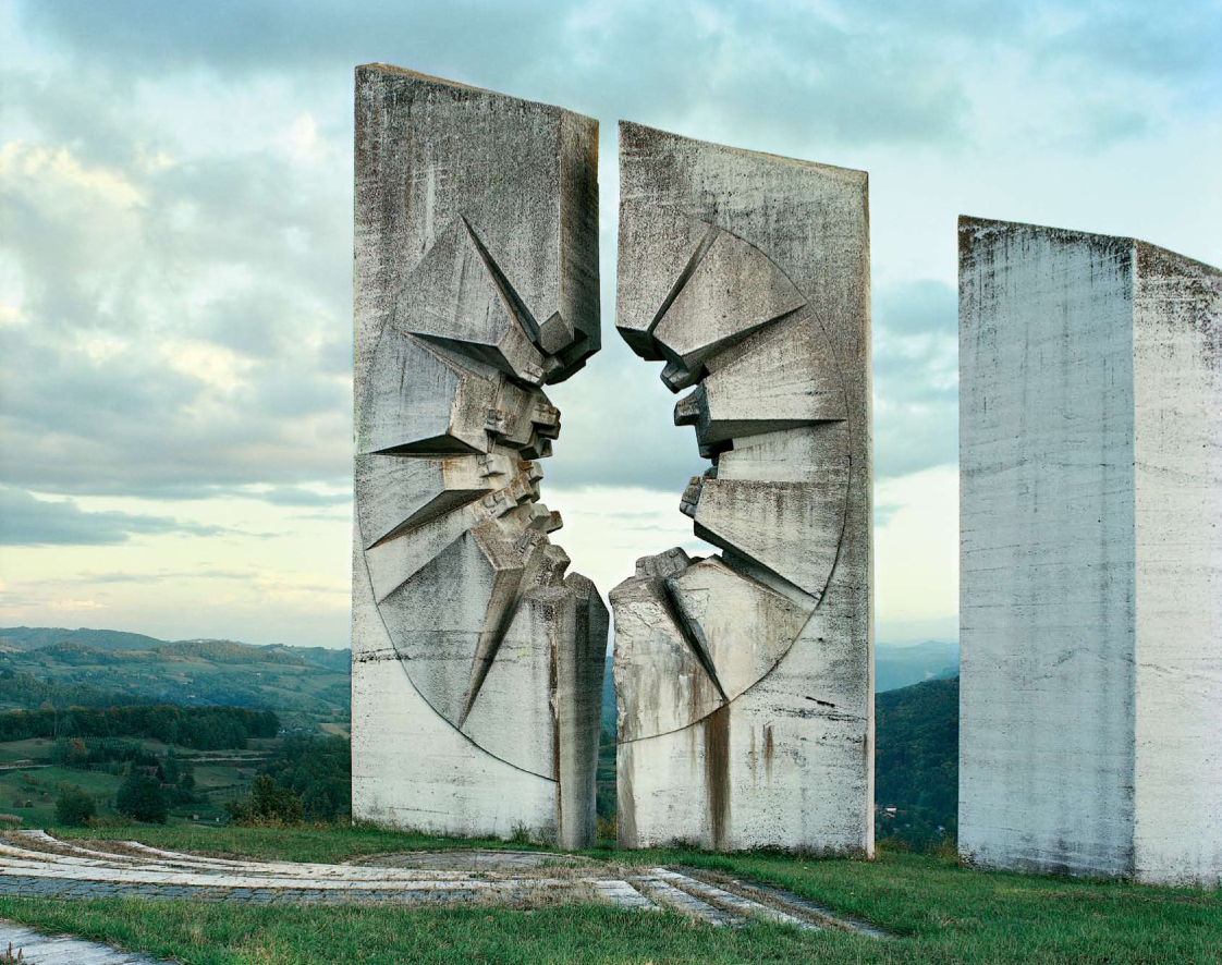 Construcciones socialistas de aspecto futurista Spomenik_18