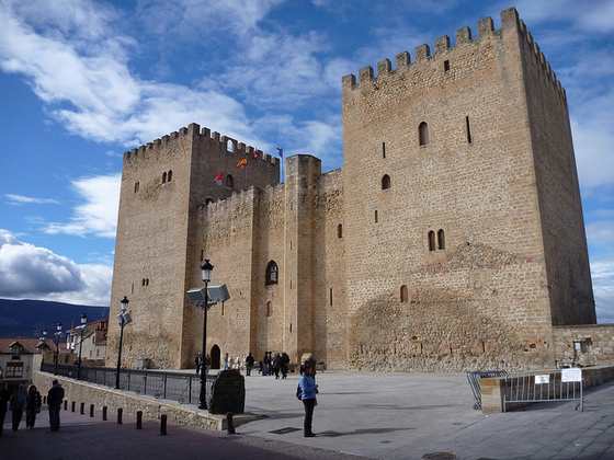 burgos_imagen_castillo_fortaleza_medina_pomar_torres