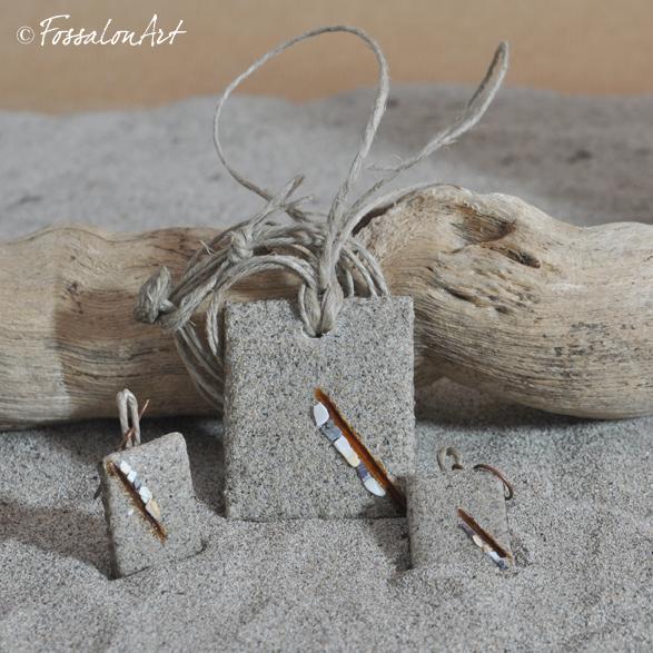Ciondolo e orecchini in corda, sabbia e frammenti di conchiglie