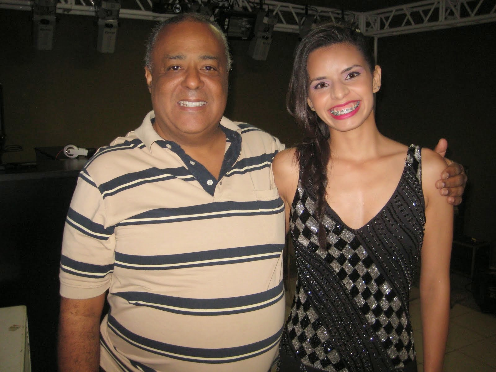 DJ LUIZINHO E MAIARA
