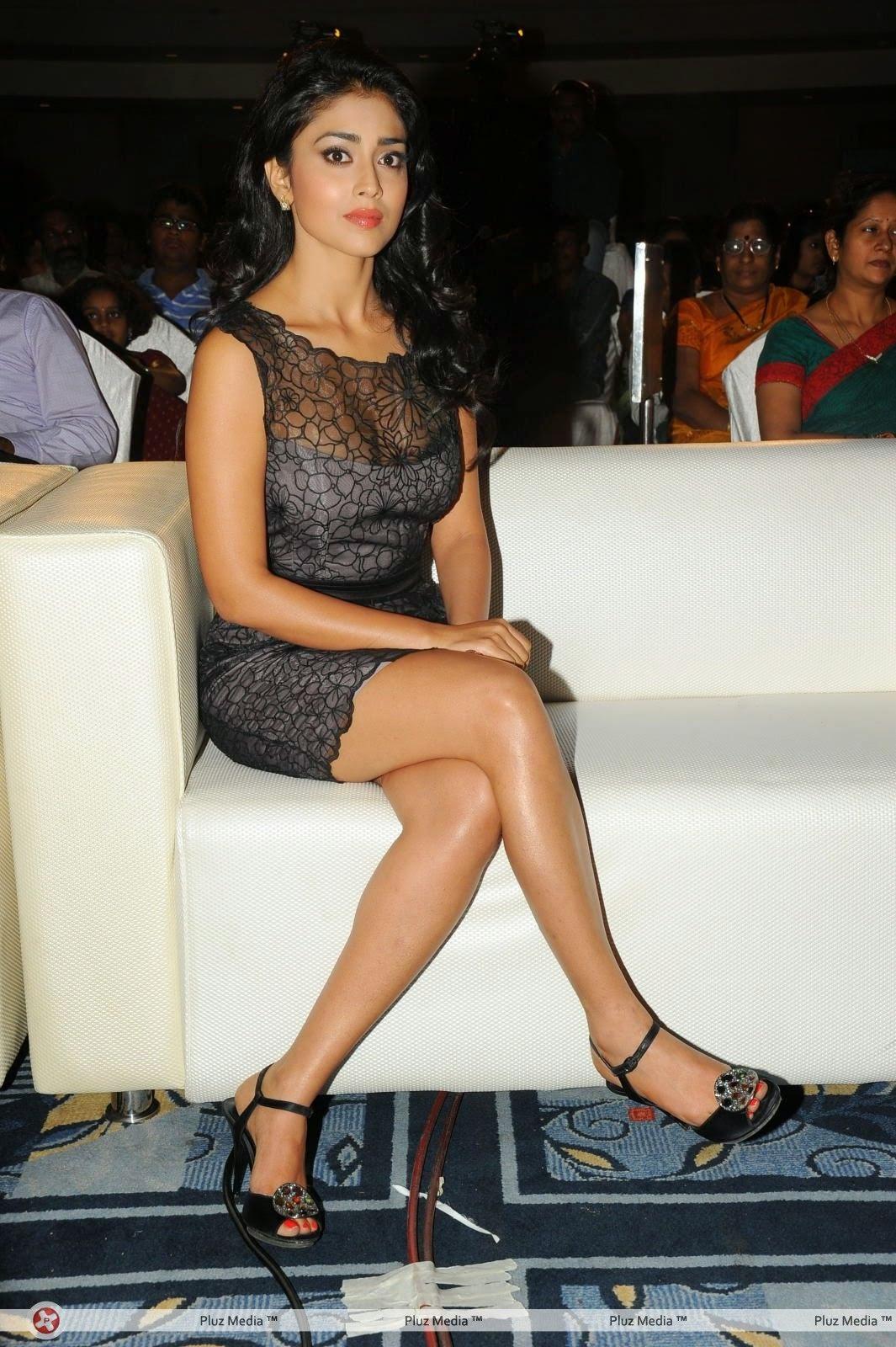 Shriya Saran thighs