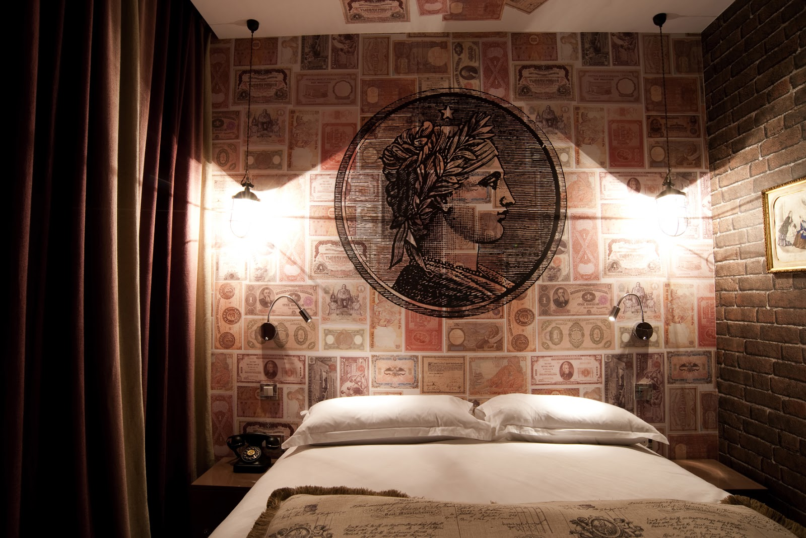Discover the seven deadly sins at the vice versa hotel for Hotel design paris 7