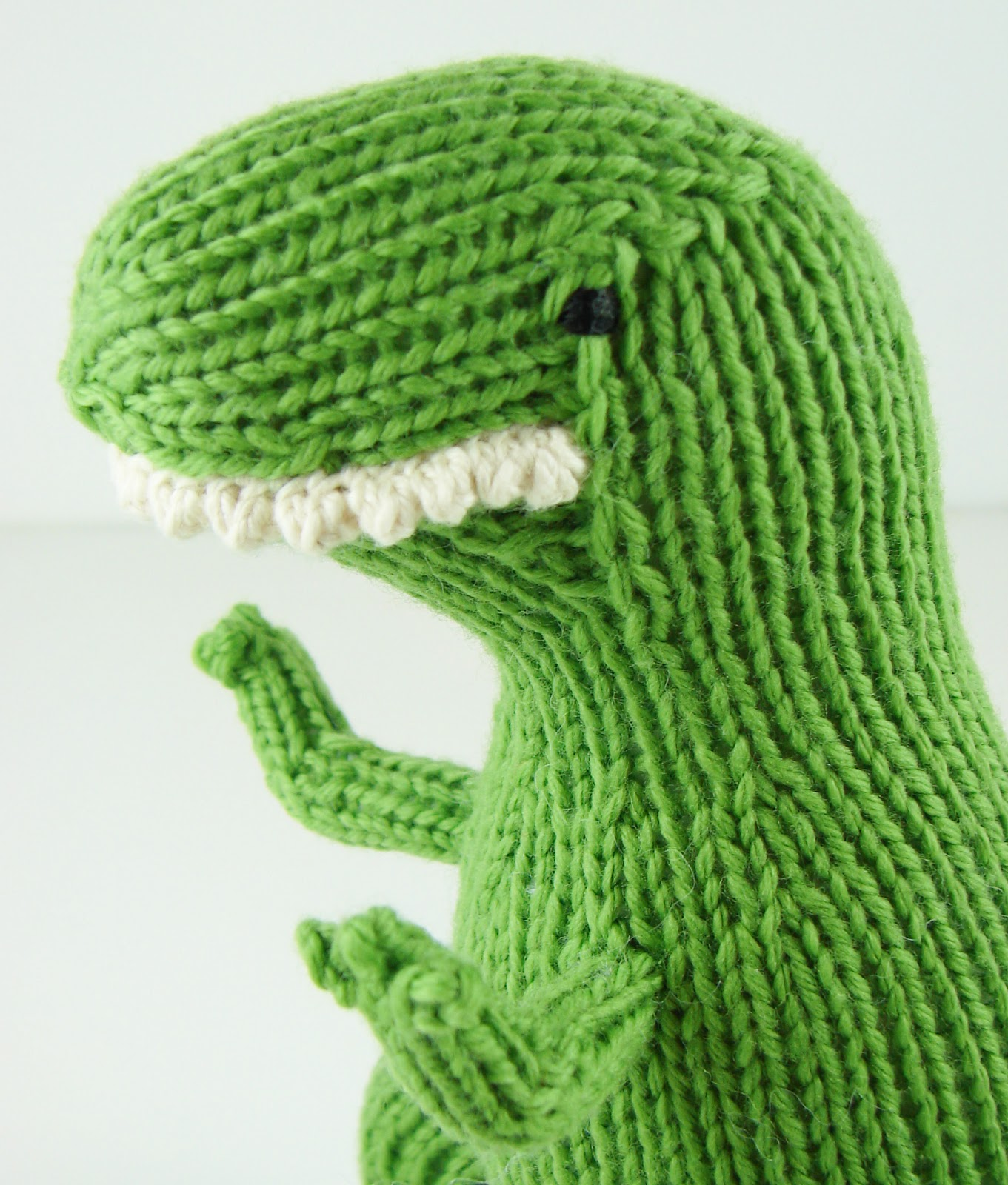 Knit Dinosaur Pattern : Auntie Ems Studio: Dinosaurs and Dolls
