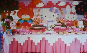 DECORACIÓN CON HELLO KITTY by decoracionesparafiestasinfantiles.blogspot.com
