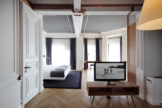Otis frank august 2012 for Cube suites istanbul
