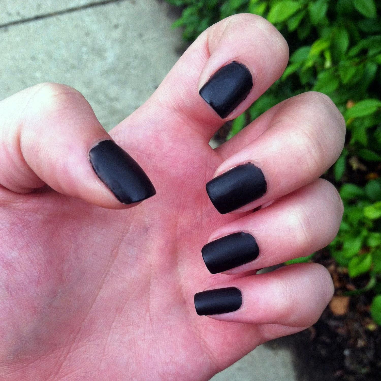 Фото ногтей черные матовые