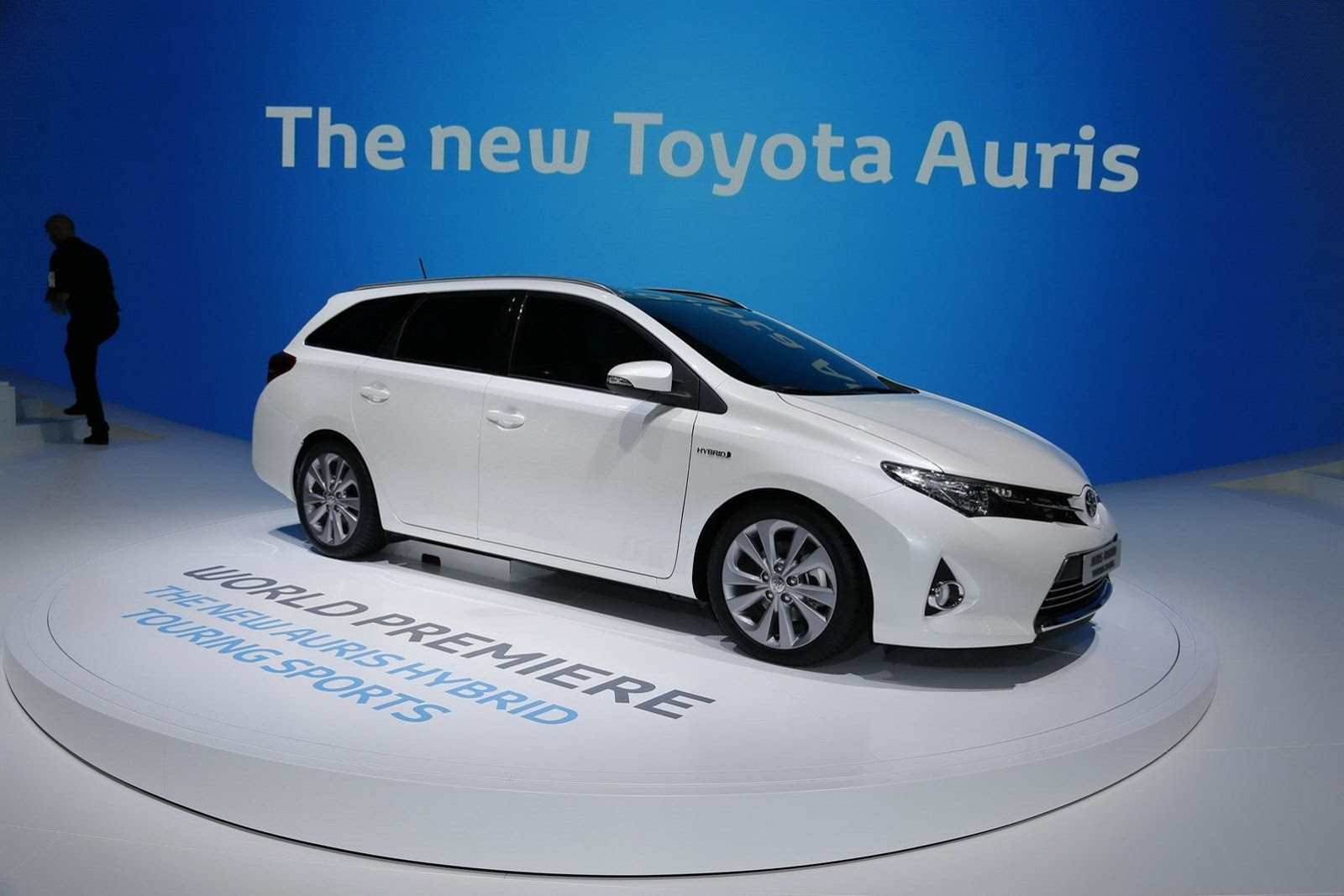 new toyota auris touring sports range priced in the uk. Black Bedroom Furniture Sets. Home Design Ideas