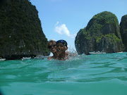 Then we went to another beach on Phi Phi Island (Phi Phi Island is made up . (friday aiden )