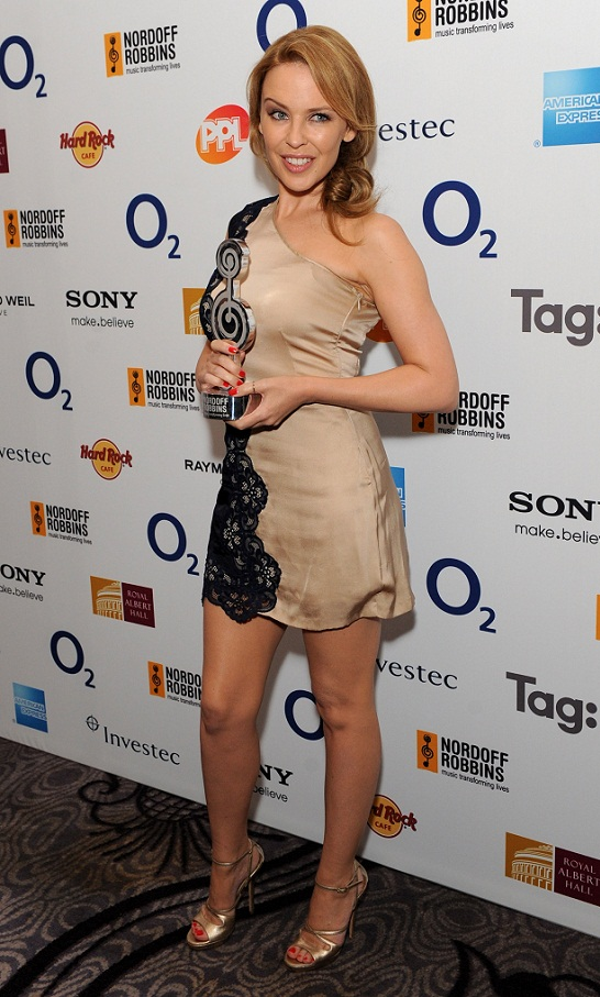 MyMy .. The No Feminist Blog: Kylie Minogue au Silver Clef Awards ...