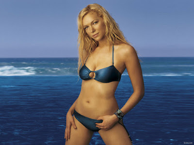 Laura Prepon Bikini Wallpaper