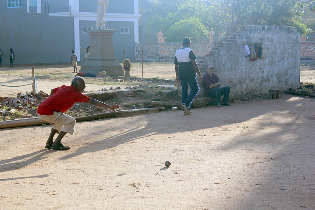 Men play boules in Pondicherry