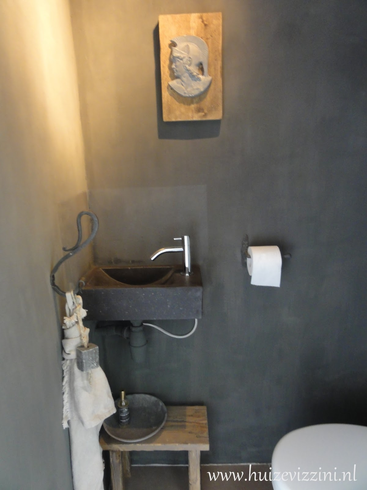 accessoires wc en pin 104213 ontwerp inspiratie voor de badkamer en de kamer. Black Bedroom Furniture Sets. Home Design Ideas