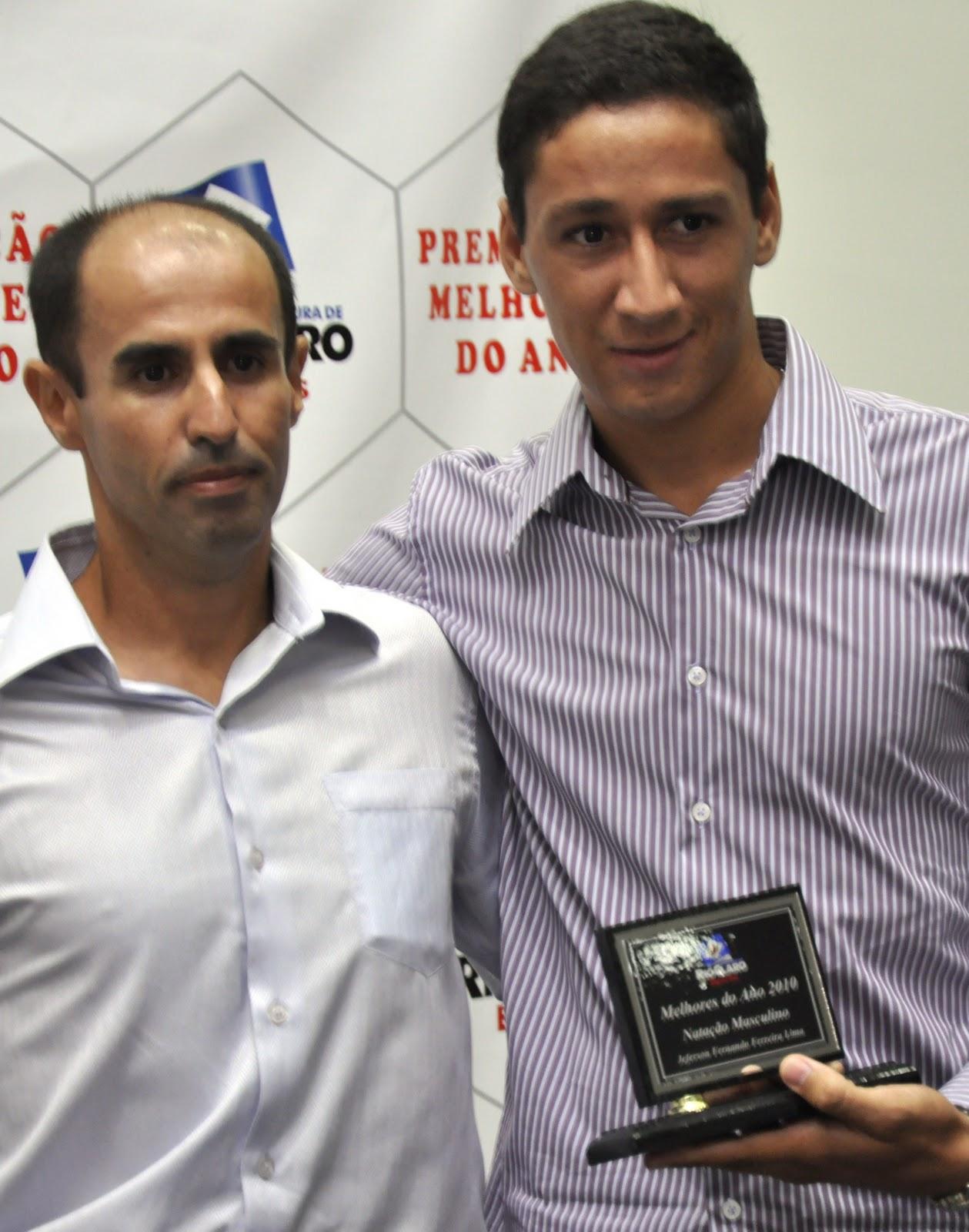 Prefeitura de Rio Claro homenageou os Melhores de 2010 Esporte #685E6D 1259x1600 Banheiro Adaptado Arthur Lima
