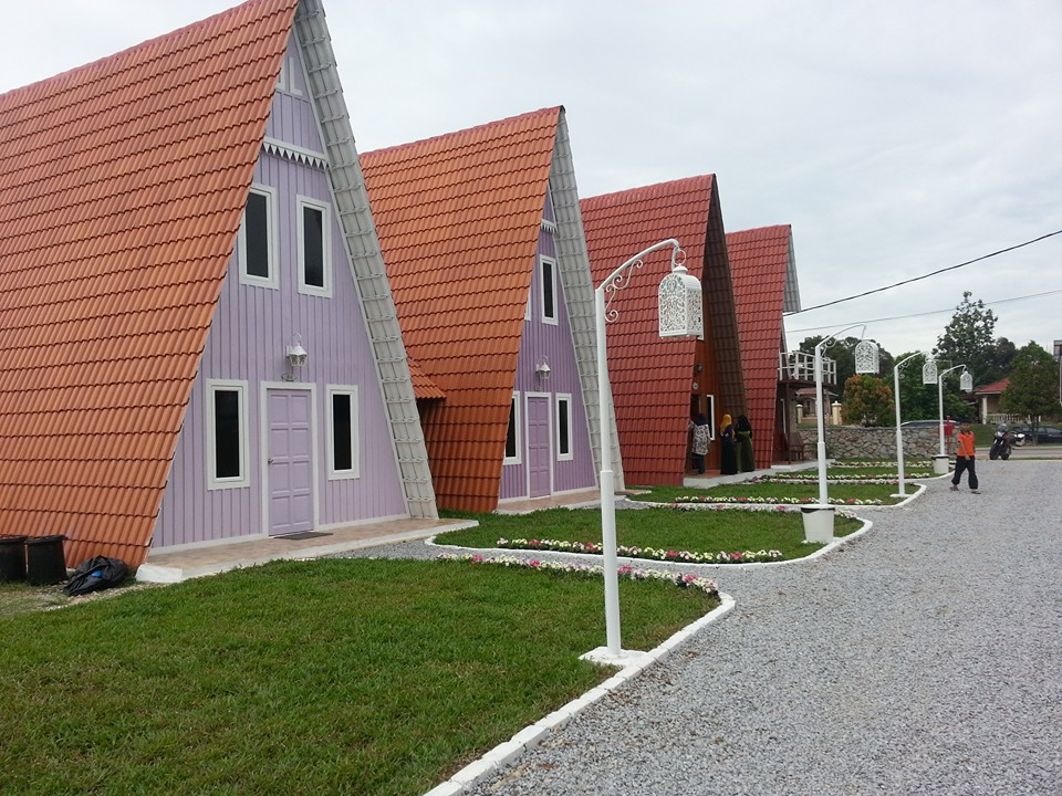Triangle housing hanau