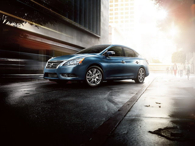 Front 3/4 view of 2015 Nissan Sentra