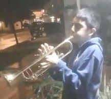 RETÓRICA TV / El hijo de una oriunda de Federal ameniza las tardes en cuarentena
