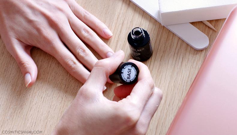 manicure hybrydowy nakładanie bazy